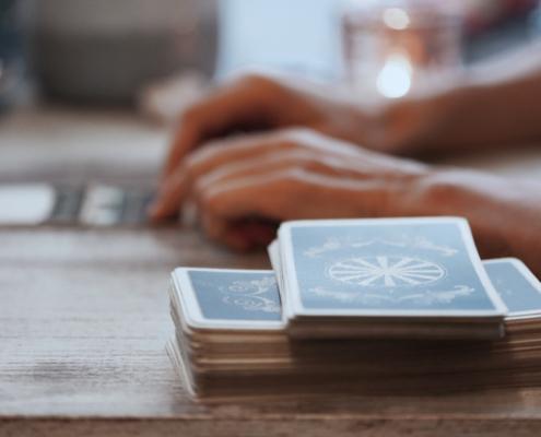 Therapeutisches Kartenlegen mit Tarot als Unterstützung in der Prozessarbeit